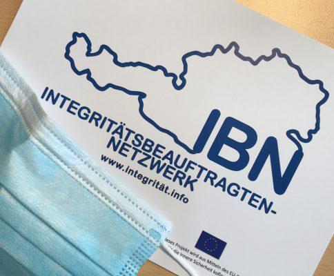 IBN Logo mit Chirurgenmaske